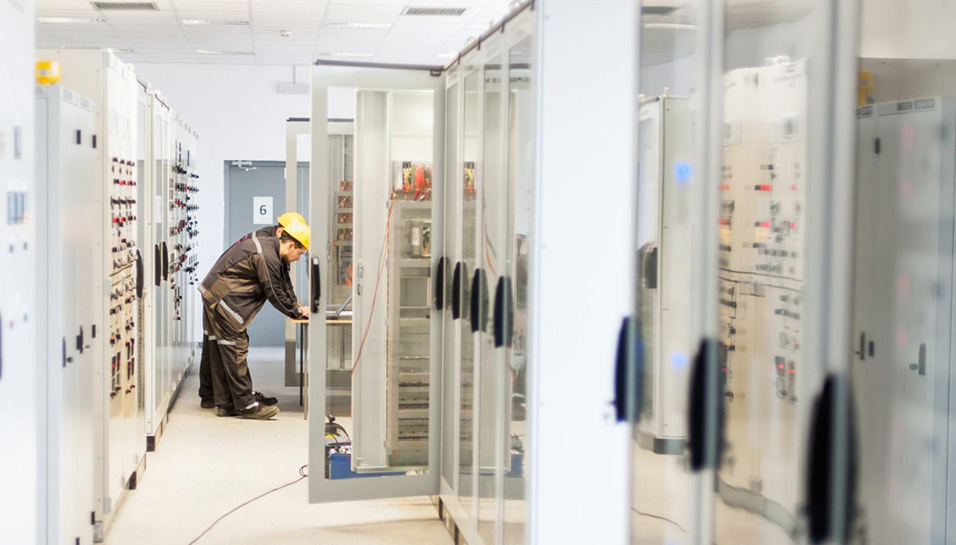 Vezérlőszekrény – Elosztószekrény gyártás